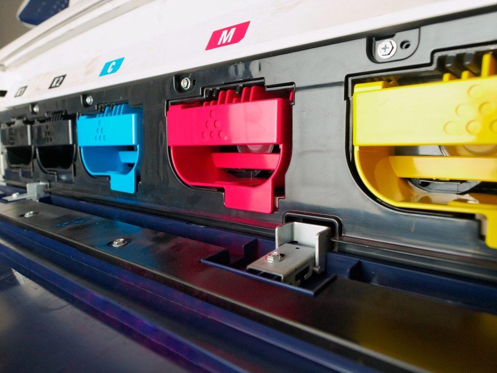 Moderne Laserdrucker zeichnen sich durch einen schnellen, sauberen Druck aus. (Bild: Algefoto / Shutterstock.com)