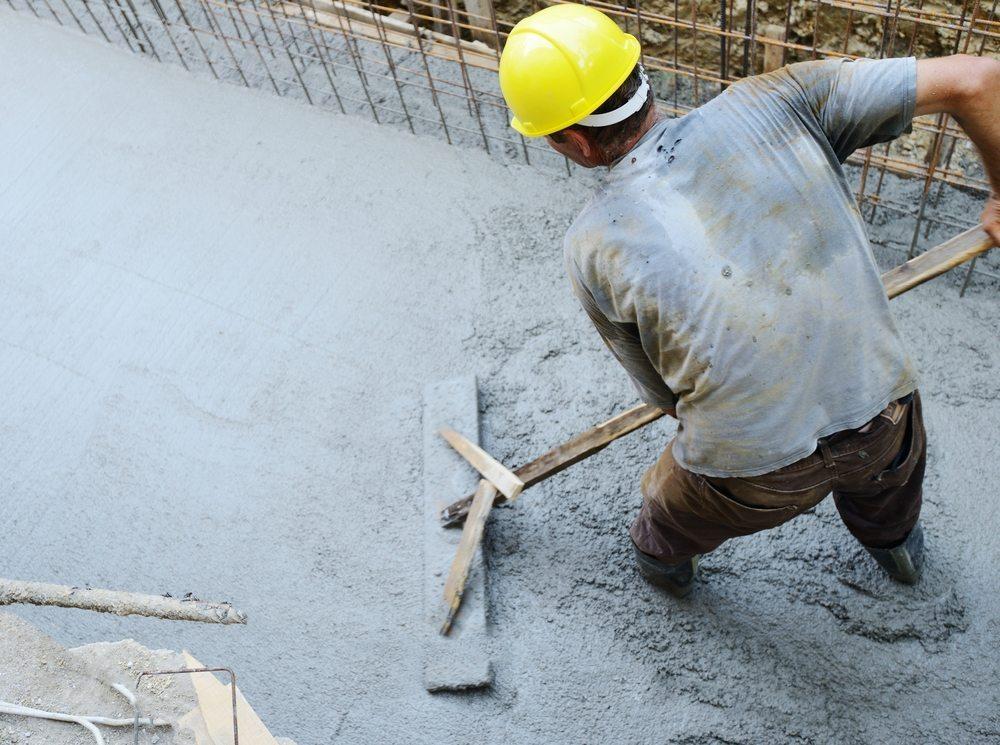 Beton ist ein Gemisch aus Kies, Sand, Wasser und Zement. (Bild: Zurijeta / Shutterstock.com)