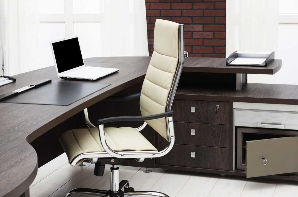 Ein guter Bürostuhl ist wichtig. (Bild: Terekhov Igor / Shutterstock.com)