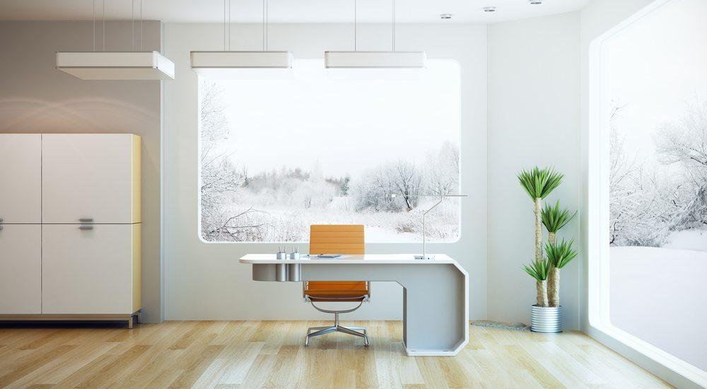 Funktional und kreativ soll es sein: Lassen Sie sich inspirieren und gestalten Sie Ihr heimisches Arbeitszimmer bewusst mit Persönlichkeit. (Bild: Kutlayev Dmitry / Shutterstock.com)