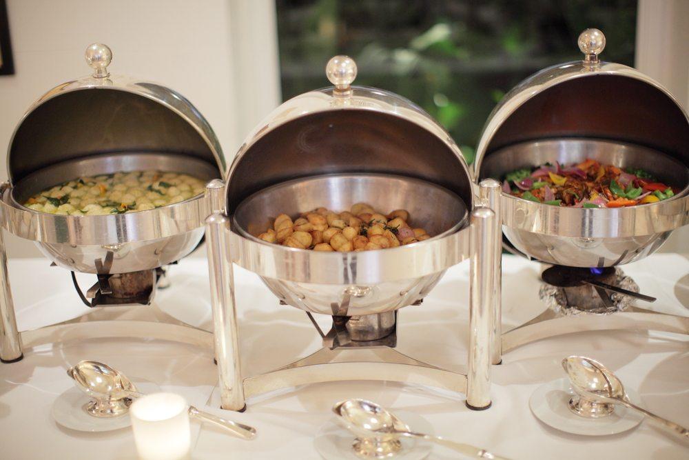Ein Salamander sollte in einer professionellen Restaurantküche nicht fehlen. (Bild: Filmmanjue / Shutterstock.com)