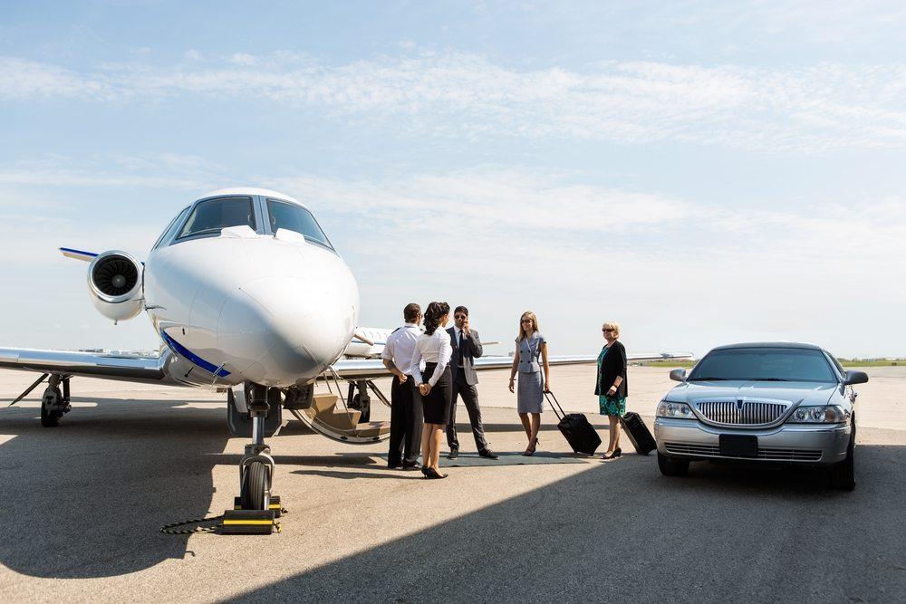 Ein Flug im Firmen- oder Privatjet: ultimativer Luxus (Bild: © Tyler Olson - shutterstock.com)