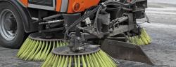 Kehrmaschinen- ID1974-Shutterstock.com