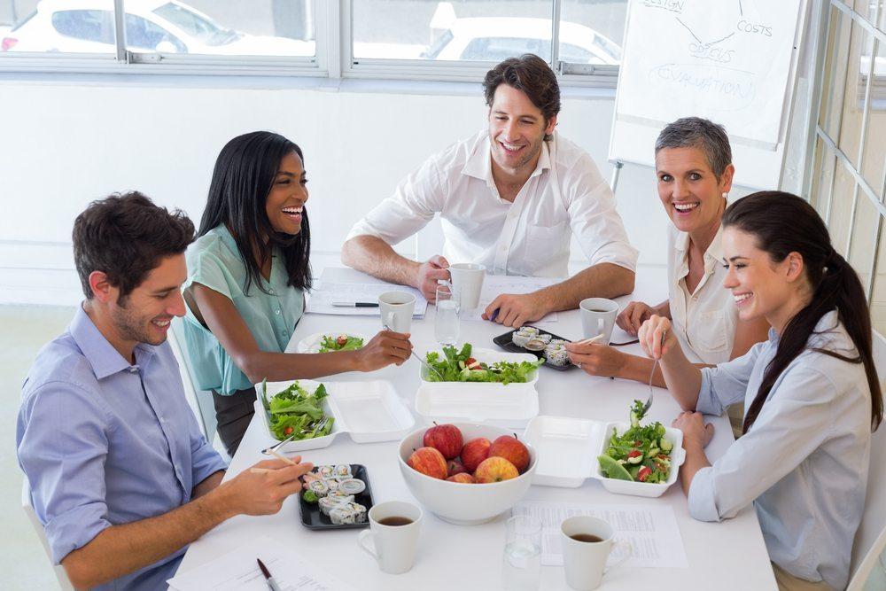 In einigen Unternehmen wird die Arbeitsstelle zum Lebensmittelpunkt. (Bild: wavebreakmedia / Shutterstock.com)