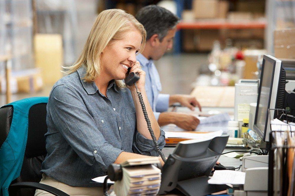Ist die letzte Position eines Kundenauftrags verpackt, können die Versanddokumente erzeugt werden. (Bild: © Monkey Business - fotolia.com)