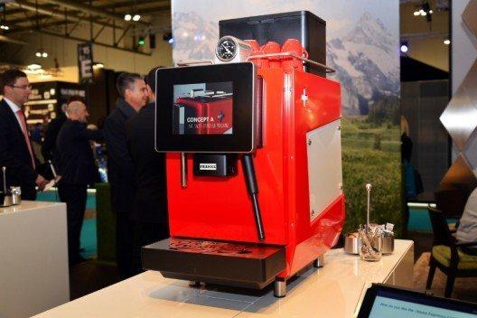 Impression des Franke Auftritts an der HOST Milano, der weltweit grössten Messe für Equipment, Coffee und Food, aufgenommen am 24. Oktober 2015 in Mailand. Das Schweizer Unternehmen Franke Coffee Systems präsentiert unter anderem die beiden Kaffeevollautomaten A200 und A600.