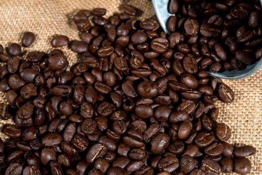 Arabica-Kaffee hat sich durchgesetzt, da nicht nur die Bohne, sondern auch deren Geschmack einfach hochwertiger ist. (Bild: © red mango - shutterstock.com)