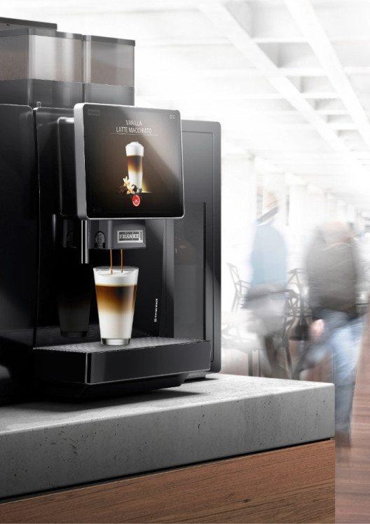 Die Möglichkeit, Betriebs- und Prozessdaten einer Kaffeemaschine aus der Ferne einzusehen und zu überwachen, bringt ungeahnte Möglichkeiten. Im Bild: A800.