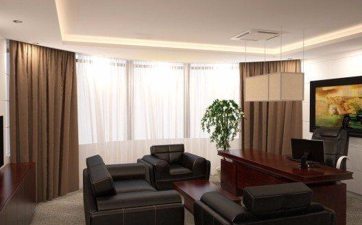 Für die professionelle Aussenwirkung sind korrekte Masse der Vorhänge und Gardinen eine absolute Grundlage. (Bild: © irisdesign - shutterstock.com)