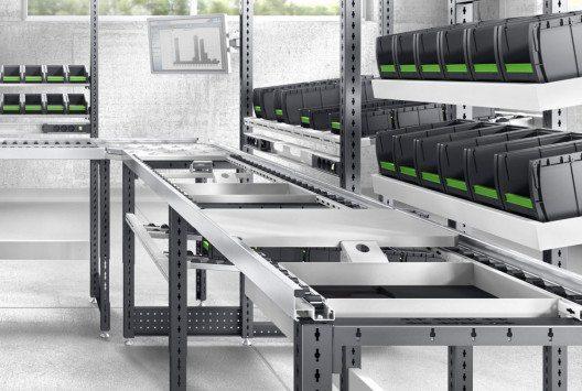 avero Fertigungslinie mit Monitorhalter und bottBoxen zum Bereitstellen des Materials. (Bild: bott)
