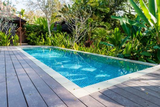 Ein Gartenpool verheisst Entspannung. (Bild: bouybin - shutterstock.com)