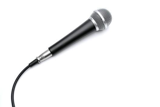 Passende Mikrofone für betriebliche Zwecke wählen (Bild: Bohbeh - shutterstock.com)