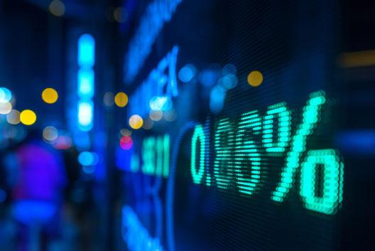 Mit der richtigen Aktienstrategie zum Erfolg (Bild: katjen - shutterstock.com)