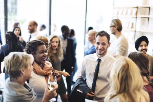 feature post image for Büro-Neueröffungsparty - preiswerte Tipps für Deko und Catering